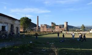 Ngrehina e ish-termocentralit të Cërrikut, i cili sakaq është shkrirë për skrap