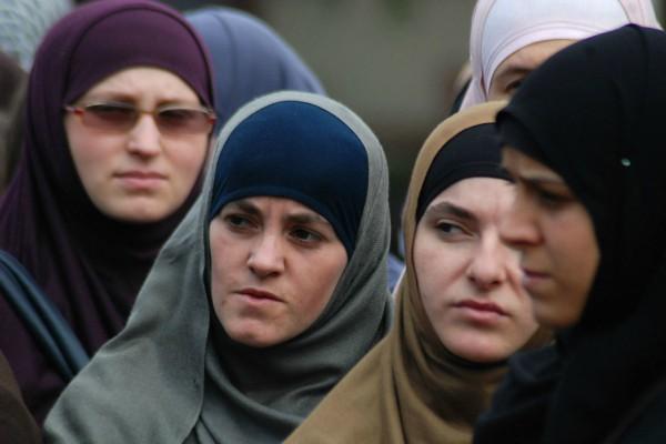 Proteste kunder diskriminimit fetare - Prishtina 23 Shtator 2011 Foto nga: Laura Hasani